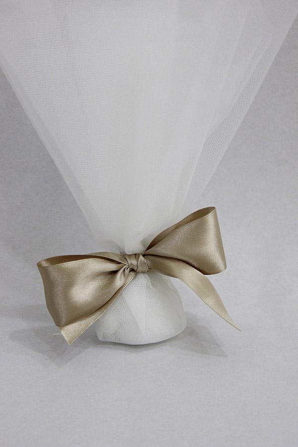 a41489d9725 Μπομπονιέρα γάμου από τούλι και σατέν κορδέλα σάπιο μήλο